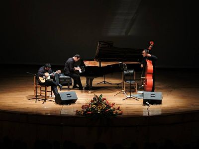 Tres destacadas propuestas musicales colombianas difunden los sonidos nacionales por diversas regiones de Latinoamérica
