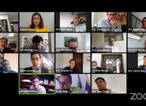 Senadores se oponen a que Gobierno transfiera responsabilidad del Covid-19 a alcaldes y gobernadores, desde el primero de junio.