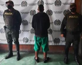 Un sujeto quien intentaba ingresar 83 gramos de marihuana y 10 gramos de base de coca a la cárcel Peñas Blanca de Calarcá fue capturado