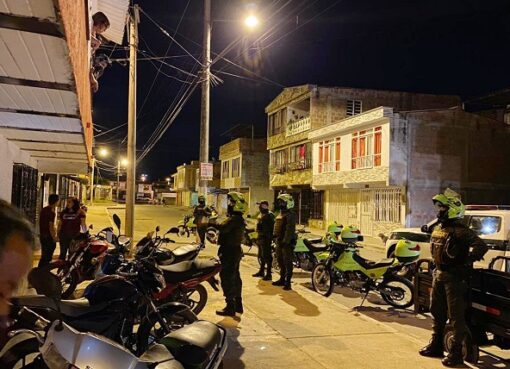 Autoridades de Armenia unificaron excepciones para fines de semana de toque de queda