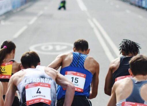 La Medio Maratón de Moscú fue ganada por Rinas Akhmadeev