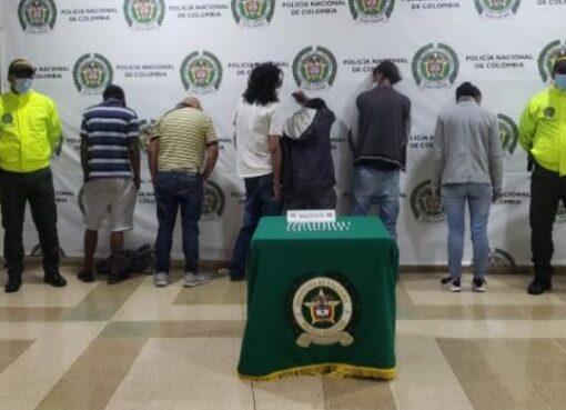 Seis personas que se dedicaban a la comercializar sustancia estupefacientes en los barrios Miraflores, Montevideo Central y la Cueva del Humo, fueron capturadas