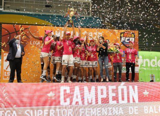 El equipo de Leonas de Medellín, fueron las campeonas de la Liga Superior de Baloncesto Femenino
