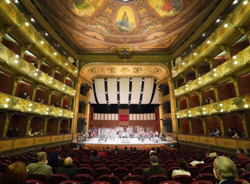 El Teatro Colón de Bogotá abre sus puertas con programación artística de alto nivel