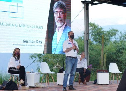 El Ministerio de Cultura otorgó la medalla al mérito cultural a Germán Rey