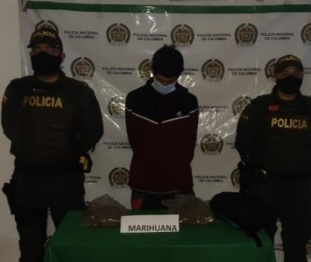 """Alias de """"Androide"""", fue capturado en el Barrio Valencia de Calarcá con varias dosis de Marihuana"""