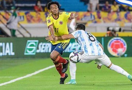 En el último minuto Colombia le empató a Argentina